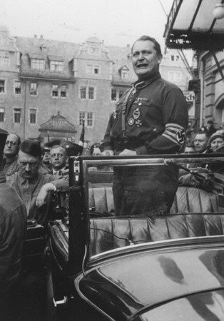 Herman Göring gives a street speech in Weimar