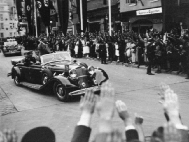 Adolf Hitler arrives in Weimar for the 10th anniversary of the Reichsparteitag