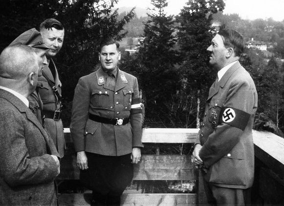 Adolf Hitler visits the new youth hostel in Struberberg 6 Berchtesgaden