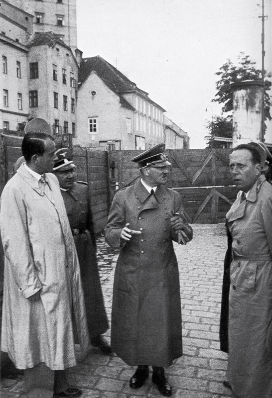 Hitler in Linz with Speer and Giesler