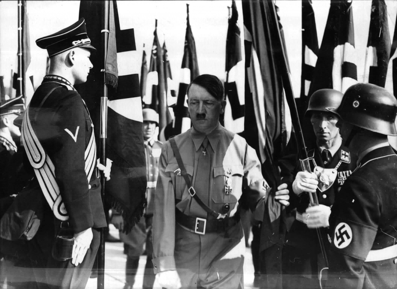 Adolf Hitler consecrating the flags at the 1938 Reichsparteitag