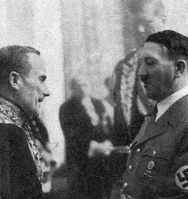 Adolf Hitler in conversation with French diplomat Robert Coulondre