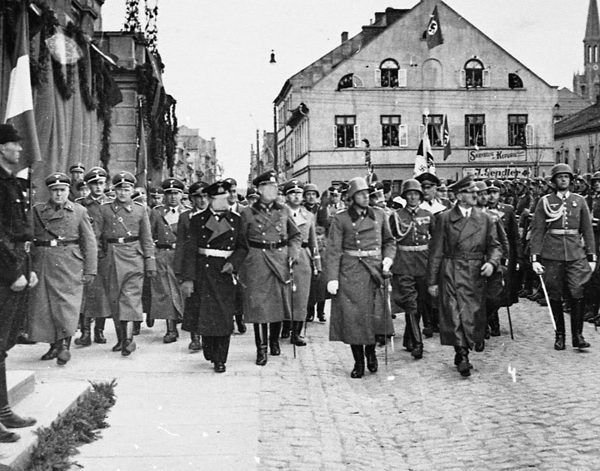 Adolf Hitler enters the Klaipeda town in the Memel region