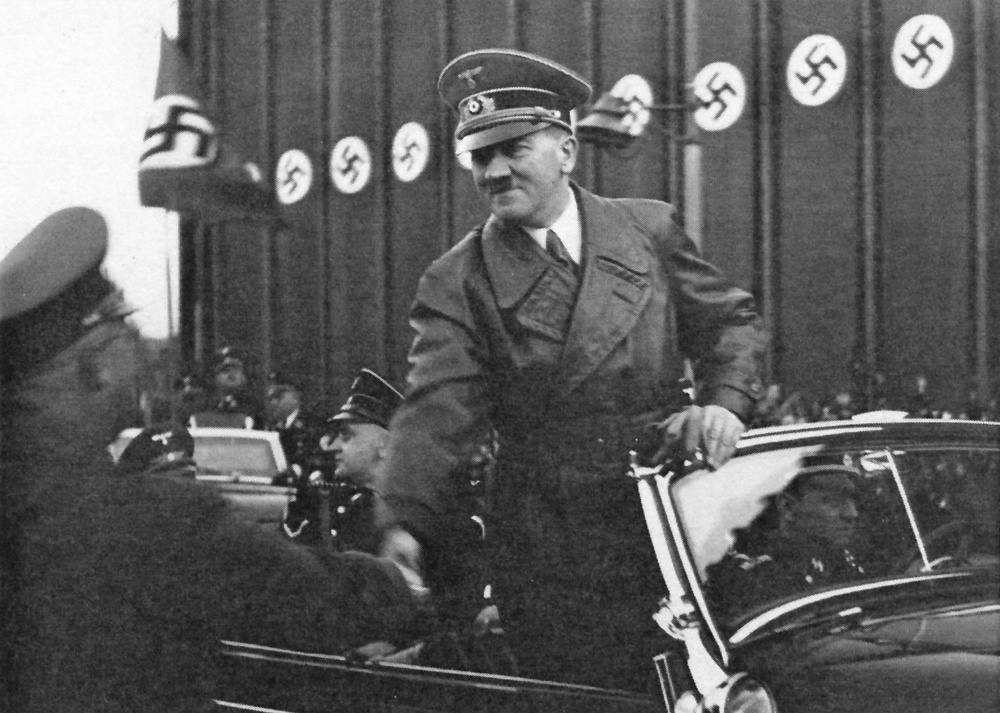 Adolf Hitler at his arrival in Wilhelmshaven