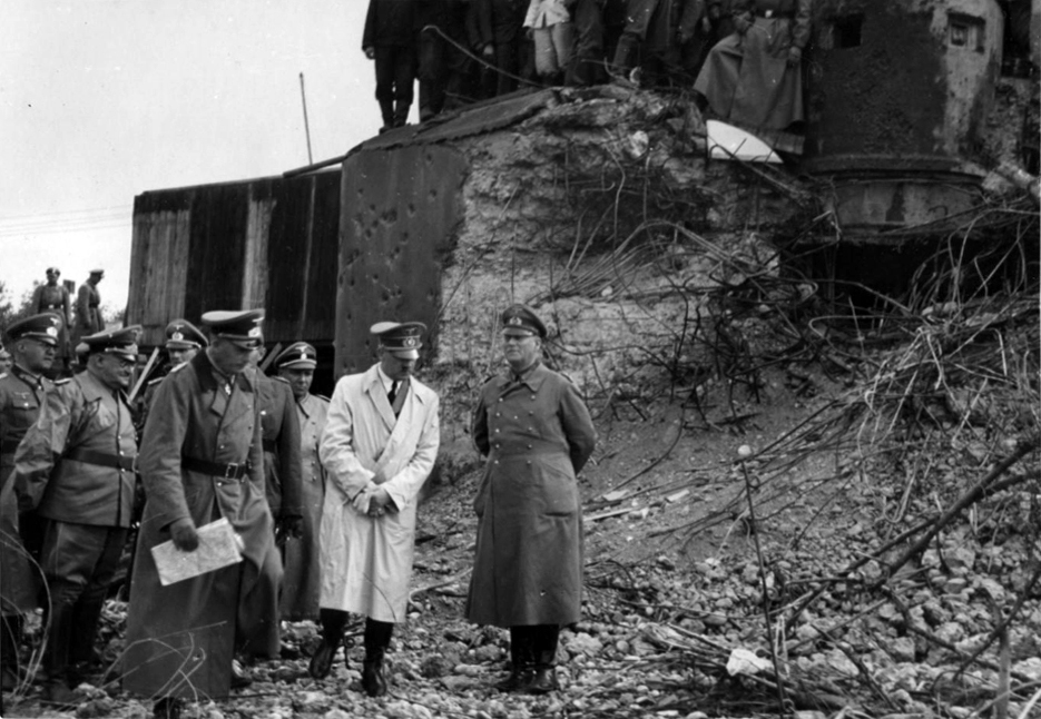 Adolf Hitler visits French bunkers in the Vogesen