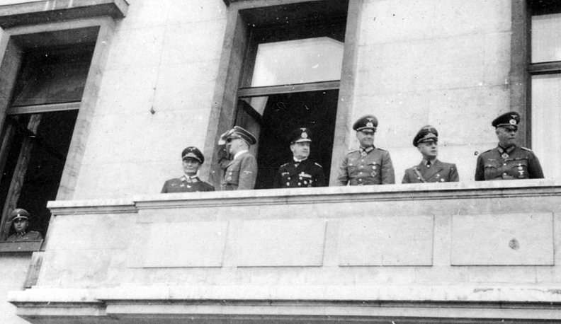 Return to Berlin after the ceasefire and armistice with France, Adolf Hitler at the balcony of the chancellery