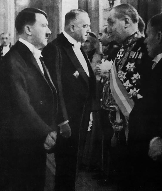 Adolf Hitler at the New Year reception for the diplomatic corps, in conversation with Italian ambassador Vittorio Cerruti and American ambassador William Dodd