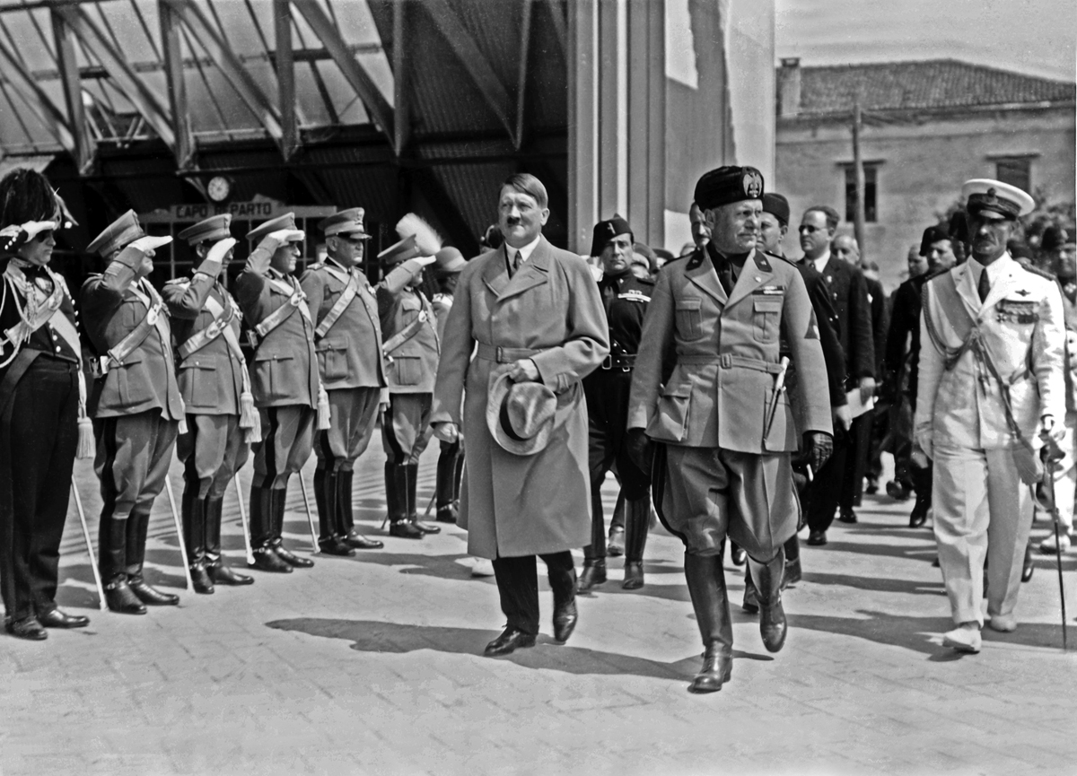 Adolf Hitler and Benito Mussolini in Venice during Hitler's first visit to Italy