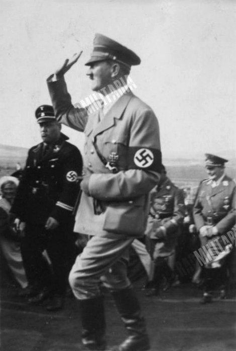 Private photo of Adolf Hitler arriving at the Bückeberg for the 1935 Erntedankfest