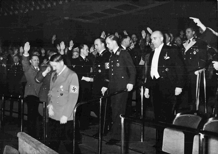 Premiere of the film Pour le mérite, directed by Karl Ritter; Adolf Hitler enters the box in Berlin's Ufa-Palast