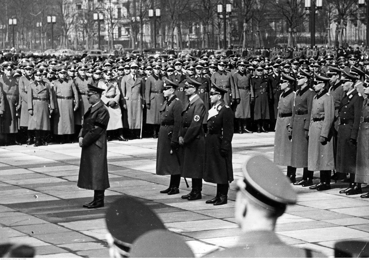 Adolf Hitler at general Karl Becker's funeral in Berlin's Technische Hochschule