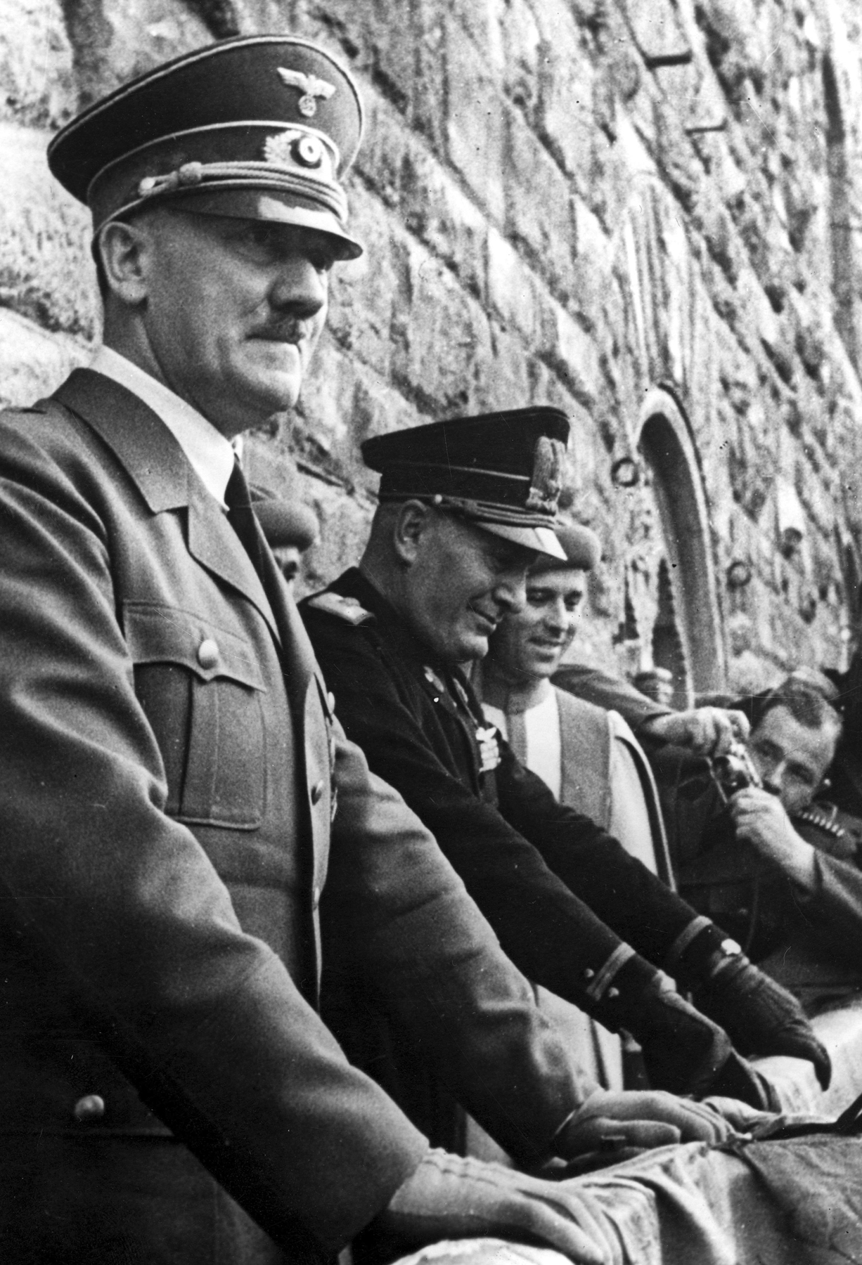 Adolf Hitler in Florenz with Mussolini on the balcony of the Palazzo Vecchio